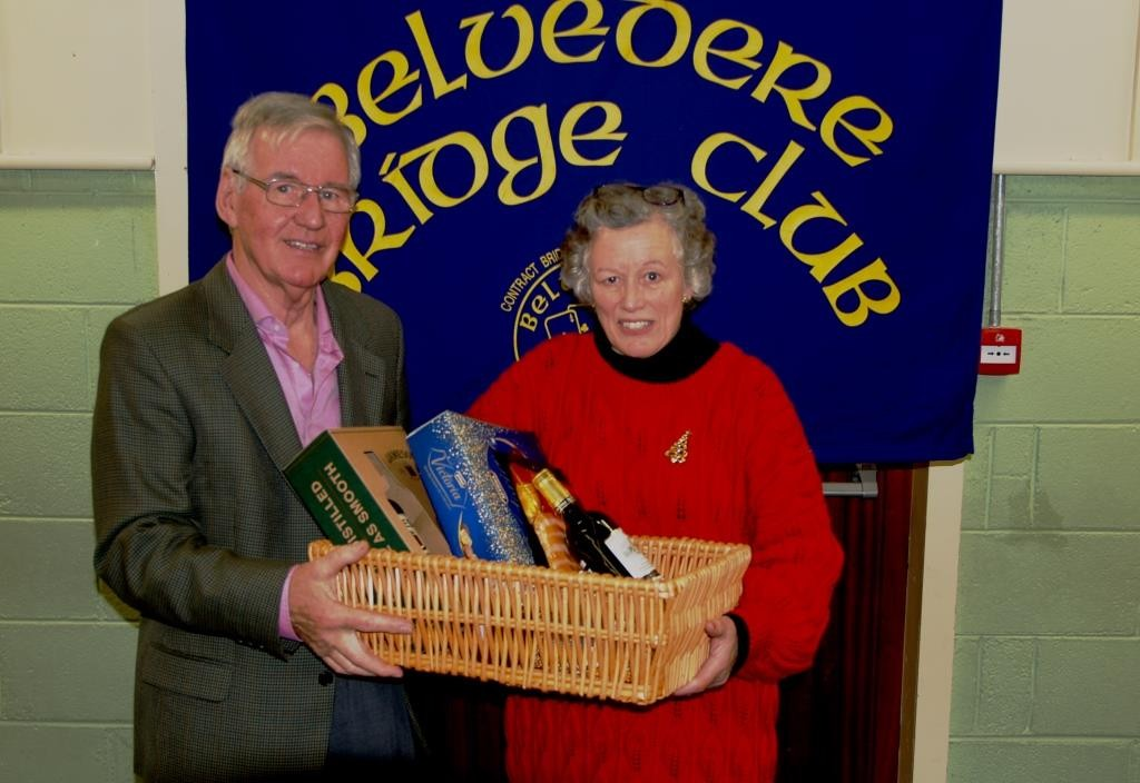 1st Gross winners in the Belvedere Club Christmas Hamper competition, were Helen & Liz O'Reilly.  Above, Helen O'Reilly with Frank Maher, Belvedere Club President
