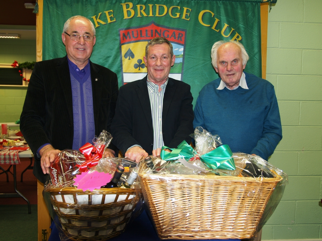 Lake Christmas  Hamper winners L/R  Matty Blake, John Butler President Lake Bridge club and Pat Seery
